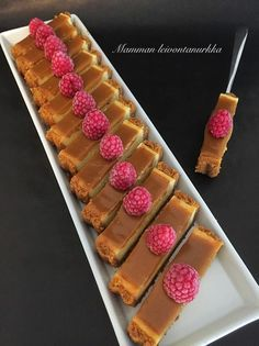 Sweet Desserts, Sweet Recipes, Delicious Desserts, Yummy Food, Salted Caramel Cheesecake, Cheesecake Recipes, Dessert Recipes, Sweet Bakery, Sweet And Salty