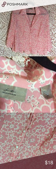 Light pink flowered uptown up top Really cute top in excellent condition. Size 16W i.e. woman Tops Button Down Shirts