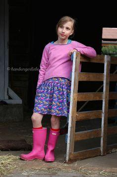 Hamburger Liebe: Life is a Ponyfarm – neue Stoffe, die Mädchenträume wahr werden lassen und ein Tutorial für ein Sommerröckchen für groß und klein!