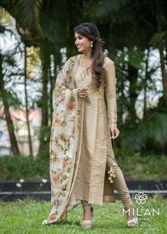 Milan is the ultimate choice for the fashionista in you. Milan offers a wide variety of Designer, Bridal & Wedding Sarees Online Kochi, Kerala, India. Silk Kurti Designs, Churidar Designs, Kurta Designs Women, Indian Attire, Indian Outfits, Indian Dresses, Salwar Pattern, Indian Designer Suits, Dress Indian Style