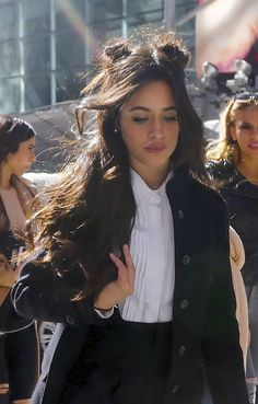 best of camila❤️❤️❤️❤️🦄😍😍😍😍😘 Shawn Mendes, Selena, Vogue Photoshoot, Camilla, Cabello Hair, Grunge Hair, Fifth Harmony, Love Her Style, Fall Hair