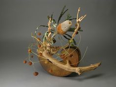 Ikebana Flower Arrangement, Ikebana Arrangements, Dried Flower Arrangements, Dried Flowers, Sogetsu Ikebana, Japanese Flowers, Making Waves, Container Flowers, Grape Vines