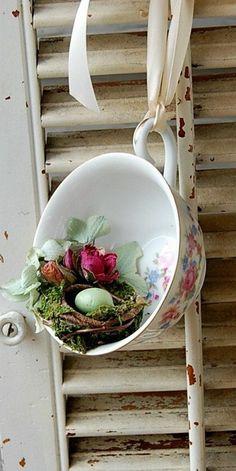 Deko Do it yourself window decoration and spring decoration Casino Aquatique: Bienvenue Dans le Mond Spring Decoration, Teacup Crafts, Flower Crafts, Bird Houses, Pin Collection, Flower Power, Diy And Crafts, Cool Designs, Room Decor
