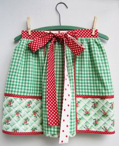 So sweet!  Love the vintage colors & patterns :)