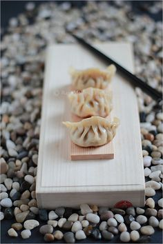 Gyoza (Japanese Dumplings) recipe - Gyoza is an essential part of Japanese cuisine: an everyday food consumed as much as sushi or ramen by Japanese people.  #japanese #eatinglight #dumplings