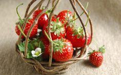 Fresh strawberries wallpapers