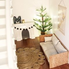 Latest install @little.linzi for #maddiesdollhousereno a #christmastree of course!!! #miniture #uashmama