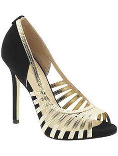 Ivanka Trump. Para más de moda y tendencias visita el blog que además te asesora con tu imagen www.tuguiafashion.com