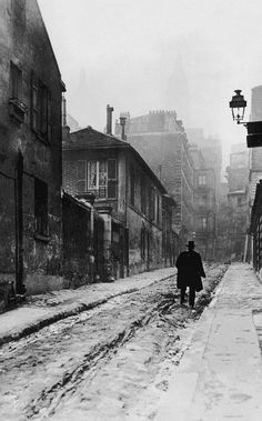 "m3zzaluna:  "" montmartre man  a solitary walker in montmartre, the artists quarter of paris, c. 1910. © hulton archive/ getty images.  """