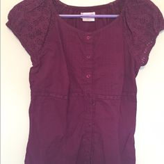 Van Heusen maroon balloon sleeved blouse Great condition. Looks like a button down but can be worn like a blouse. Fits like a small/medium. No trades. Van Heusen Tops Blouses