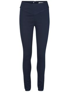 Cool blue jeggins from Noisy may. Wear with a t-shirt and a bomber.