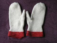 Naalbinding Mittens - Dalby stitch