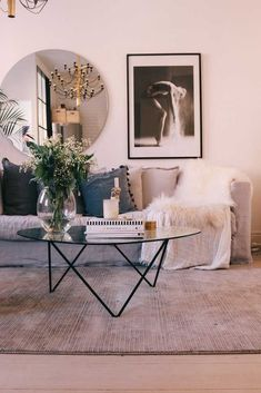 Dekoration Wohnung – 7 Luxurious and bohemian living rooms to dream about – Dail… Dekoration Wohnung – 7 Luxurious and bohemian living rooms to dream about – Daily Dream Decor Bohemian Living Rooms, My Living Room, Interior Design Living Room, Home And Living, Living Room Designs, Living Room Decor, Decor Room, Coffee Table Decor Living Room, Interior Designing