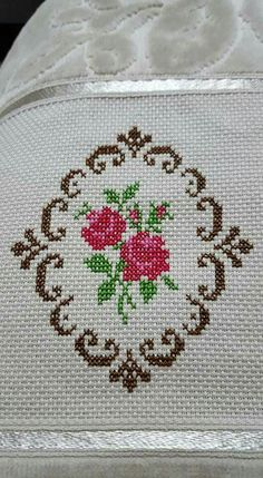 This post was discovered by Gr Baby Knitting Patterns, Lace Knitting, Baby Patterns, Cross Stitch Heart, Cross Stitch Flowers, Crewel Embroidery, Cross Stitch Embroidery, Cross Stitch Designs, Cross Stitch Patterns