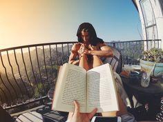 Casal viaja o mundo e mostra sua vida de sonho   Viagem