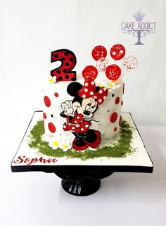 Minnie Mouse cake - cake by Cake Addict - CakesDecor Minni Mouse Cake, Bolo Da Minnie Mouse, Minnie Mouse Stickers, Mickey And Minnie Cake, Minnie Mouse Christmas, Mickey Cakes, Minnie Mouse Party, Mini Mouse Birthday Cake, 1st Birthday Cake For Girls