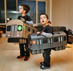 Costume métro ~ Would work with trains too! Reminds me of the ark costume my son wore!