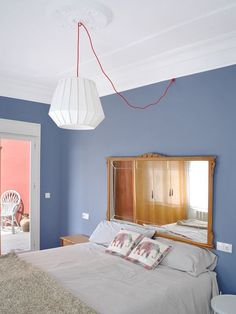 The budget to renovate this apartment in Valencia was tight but the result is great. The two terraces help to articulate the space and bring light to the different rooms. The small kitchen is now i… Nordic Interior, Decor Interior Design, Diy Furniture Projects, Home Staging, Colorful Interiors, Scandinavian Interiors, Colours, House, Valencia