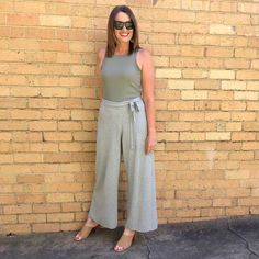 Casual wide leg outfit | For more style inspiration visit 40plusstyle.com