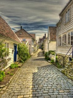 Norway Houses: Another Reason to Adore Norway Stavanger, Norway House, Residential Architecture, Beautiful Artwork, Scenery, Island, Mansions, House Styles, Places