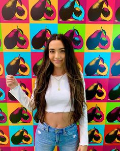 What's your best avocado pun? Avocado Puns, Veronica Merrell, Vanessa Merrell, Merrell Twins, Girl Fashion, Womens Fashion, Pretty Girls, Youtubers, Victoria