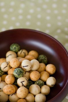 "東京 麻布十番 -豆源, ""おとぼけ豆"", Tokyo. YUMMY :)∥ Mamegen (flavored nuts, beans, peas and other snacks)."
