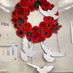 Collaborative Art for Remembrance Day: Poppy Wreath with Doves Remembrance Day Activities, Remembrance Day Poppy, Art For Kids, Crafts For Kids, Arts And Crafts, Ww1 Art, Poppy Wreath, Poppy Craft, Armistice Day