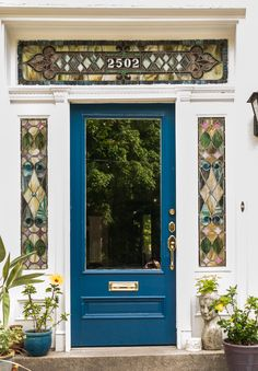 Richmond has so many unique styles of homes, from Georgian to Victorian, Tudor to California-mission style. We are intrigued by them all, and hope you enjoy our series about the Doors of Richmond! A house is just a house until you give it your own personal touch to make it your home. One way we see as a great way to do this is to have your entryway be a reflection of the personality inside.