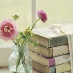 Have old books with shabby spines? Cover them with fabric, wallpaper, gift wrap, etc. Color coordinate for shabby chic for French Country look. Look Vintage, Shabby Vintage, Vintage Decor, Vintage Paper, Vintage Display, Vintage Walls, French Vintage, Shabby Chic Paper, Shabby Chic Decor