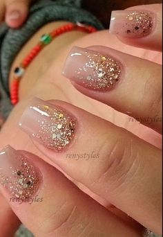 Charm: Over 50 Designs for Perfect Pink Nails See the most charming nail designs in pink that are appropriate for almost any occasion.See the most charming nail designs in pink that are appropriate for almost any occasion. Fancy Nails, Cute Nails, Pretty Nails, Cute Simple Nails, Hair And Nails, My Nails, Nagel Hacks, Gold Glitter Nails, Christmas Nails Glitter