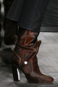 Fendi+Fall+2014+RTW+-+Details+-+Fashion+Week+-+Runway,+Fashion+Shows+and+Collections+-+Vogue
