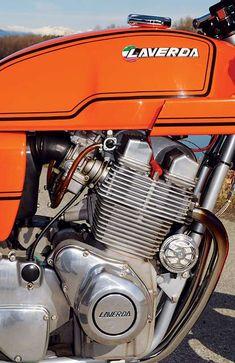The Laverda Jota 1000 - Classic Italian Motorcycles Laverda Jota - (torcyclescotland) Retro Cafe, Vintage Cafe, Vintage Bikes, Vintage Motorcycles, Cars And Motorcycles, Bsa Bantam, New Honda, Motorcycle Engine, Old Bikes
