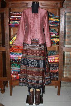 Kebaya Lace, Kebaya Hijab, Batik Kebaya, Batik Dress, Lace Dress, Batik Fashion, Hijab Fashion, Hijab Styles For Party, Indonesian Kebaya
