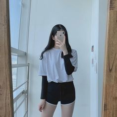 Kpop Outfits, Korean Outfits, Short Outfits, Girl Outfits, Korean Girl Fashion, Ulzzang Fashion, Korea Fashion, Cute Comfy Outfits, Simple Outfits