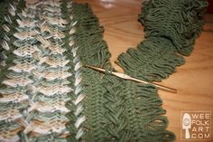Hairpin Lace Part 3 of 4 - Joining the Strips | Wee Folk Art