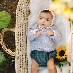 Sophie la girafe: Raglan Bebe Sweater Knitting Kit | Stitch & Story - Stitch & Story UK Bamboo Knitting Needles, Knit Basket, Baby Kit, Blue Peach, Cast Off, Knitting Kits, Baby Sweaters, New Baby Products, Crochet Hats