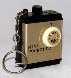 Vintage Micro Mini Pockette Keychain Transistor Radio, Same Radio As The MF Branded Transistor Radio (Model Earphone Listening Only Tvs, Pocket Radio, Retro Radios, Antique Radio, Transistor Radio, Record Players, Phonograph, Old Tv, Abandoned Castles