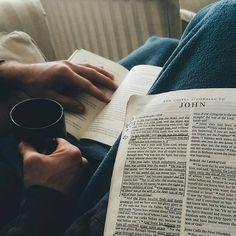 Quiet time god girl godly relationship, life goals и bible Bibel Journal, Christian Relationships, Godly Relationship, Dear Future Husband, My Bible, Life Goals, Couple Goals, Faith, Reading