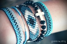 Bead Loom Bracelet // Black and White Bracelet // Blue by Gomeow