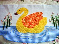 Applique Designs, Quilting Designs, Chicken Quilt, Nursery Patterns, Friendship Bracelet Patterns, Animal Pillows, Button Crafts, Dish Towels, Art Sketches