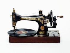 Singer Sewing Machine / Nancy Fouts