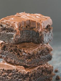 These rich, fudgy and delicious flourless fudge brownies need just three ingredients for the base Sweet Potato Dessert, Sweet Potato Brownies, Sweet Potato Recipes, Low Fat Desserts, Sweet Desserts, Vegan Sweets, Healthy Sweets, Healthy Fudge, Whole Food Recipes