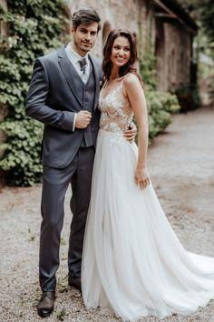 Die beiden Marken sind bei Steinecker in Randegg, Graz, Salzburg und Wien erhältlich. Lace Wedding, Wedding Dresses, Salzburg, Royce, Fashion, Bride Groom, Dress Wedding, Graz, Wedding Dress Lace