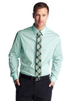Regel für Krawatten 3: Harmonie und Kontrast    Dunkelblauer Anzug, hellblaues Hemd – eine harmonische Zusammenstellung. Eine dunkelblaue Krawatte würde sich perfekt einfügen, das Gesamtbild wäre aber wenig aufregend. Ein frisches Orange bringt dagegen genau die richtige Dosis Kontrast hinein.    http://www.krawattenknoten.org/krawatten-kombinieren.html