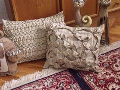 Polštářek-povlak polštářek ušitý technikou Capitone-žabičkování materiál bavlna.spandex praní na 30 v ruce ručně šitý velikost 40x30 cm s knoflíčkama 45x40 cm ten druhý zapínání na zip