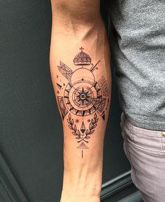 Elvin. #tattoo #mast #mastcora #bleunoir #bleunoirtattoo #blackwork #blackworkerssubmission #btattooing #equilattera #iblackwork #blacktattoomag #blacktattooart #inkstinctsubmission