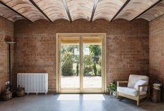 Brick Architecture, Contemporary Architecture, Interior Architecture, Brick Interior, Interior Exterior, Residential Interior Design, Home Interior Design, Barcelona, Brick Design