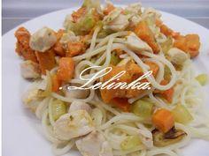 Špagety s pečenou zeleninou a kuřecím masem  Spaghetti with roasted vegetables and chicken
