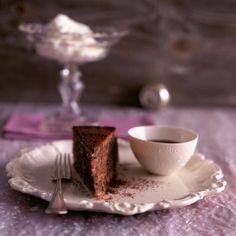 Rezept: Schokoladen-Kuchen mit Schokosauce - [LIVING AT HOME]