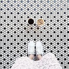 #coffee #instacoffee #instagramanet #instatag #coffeetime #coffeeaddict #coffeelover #coffeeshop #coffeebreak #coffeelovers #coffeelove #coffeegram #coffeemug #coffeeart #coffeeoftheday #кофе #кофейня #кофекофе #кофессобой #кофехауз #кофемания #кофеман #кофеин #кофесмолоком #инстаграманет #инстатаг #горячий #горячая by coffeemania.blog